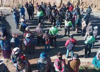 Huancané: Pobladores protestan por suba de pasajes en la ruta Juliaca - Pusi