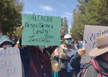 Pobladores de Caracoto exigen mantenimiento de calles a burgomaestre Yana