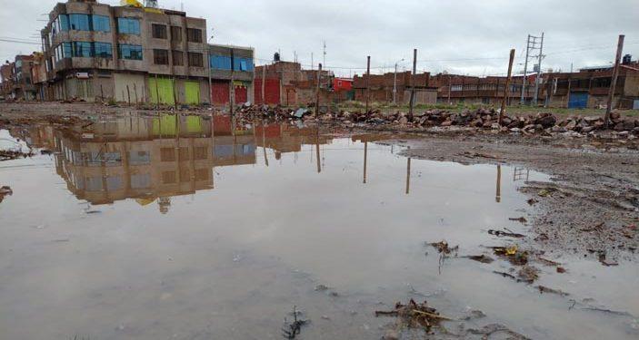 Juliaca: Calles se inundan por precipitaciones, pobladores piden limpieza de canales