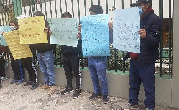 Protestan por abusos de empresa Alborada que despidió más de 150 obreros