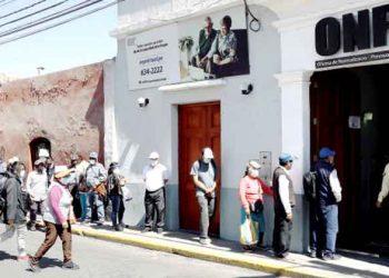 Arequipa: Aportantes de la ONP esperan reglamento para recibir pensiones